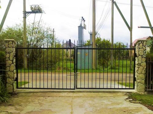 atveriami kiemo vartai2
